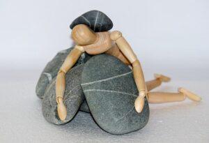 камни человек