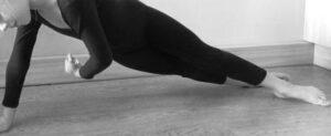 упражнение скручивания на боку